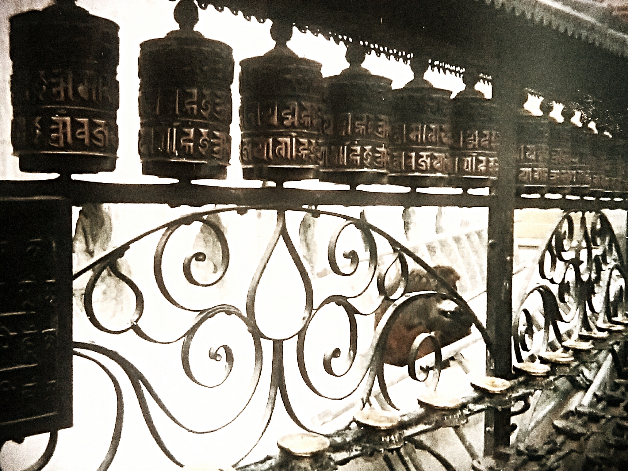 ネパールやチベットの旅おすすめポイント『マ二車は神々の小宇宙』
