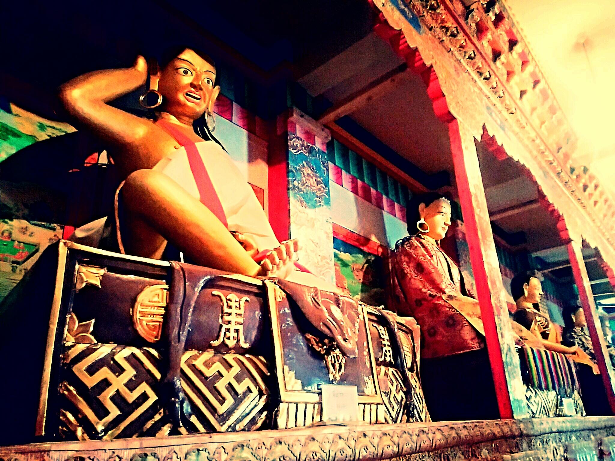 チベットの大ヨーガ行者ミラレパの波乱に満ちた生涯とは?