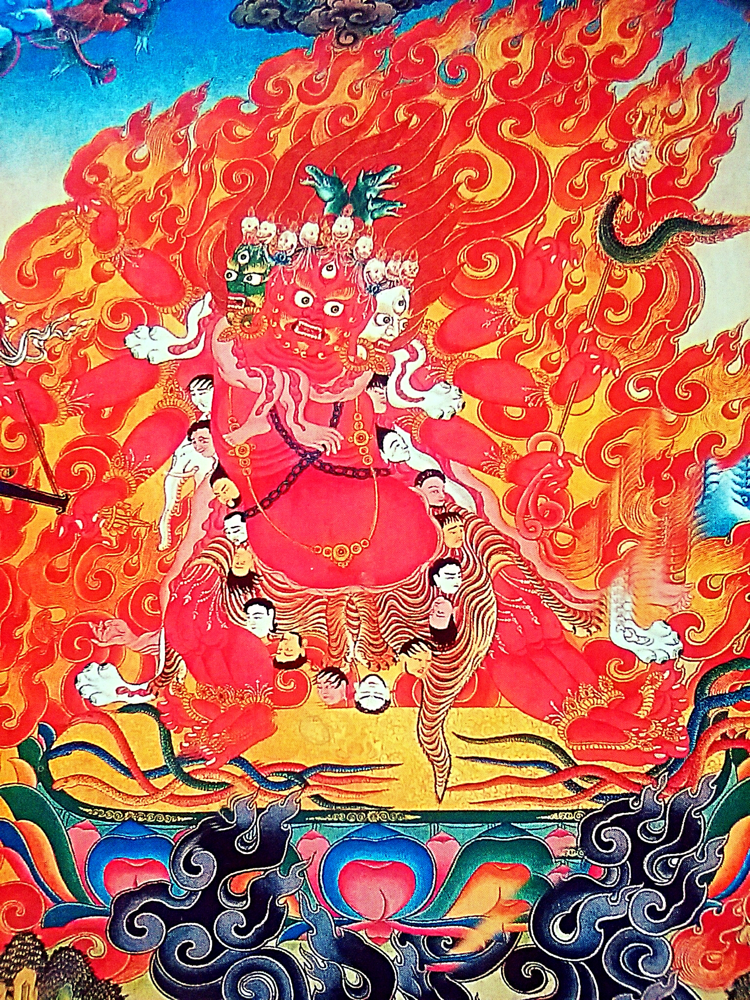 チベット仏教の仏達が持つ法具の意味とは?『金剛杵から頭蓋骨の杯等20選』