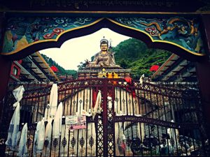 空を飛んでチベットにやってきた高僧パトマサンヴァパとは一体何者?