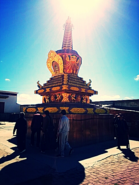 チベット各地の美しきチョルテン情報と魅力を一挙紹介!